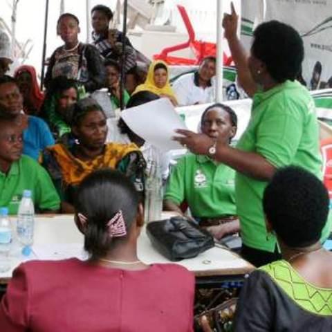 awotta with women entrepreneurs